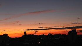 Takovou oblohu zachytila Renata Gubášová v Mělníku.