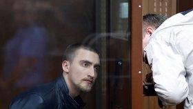 Ruská prokuratura po kritice žádá o propuštění uvězněného herce.