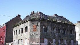 Ministryně práce a sociálních věcí Jana Maláčová (ČSSD) se podívala do vyloučených lokalit v Ústí. Uznala, že zde systém prozatím krutě selhává.