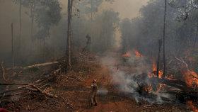 Požár v Amazonii poblíž brazilského města Uniao do Sul (září 2019)