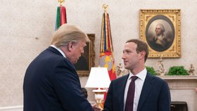 Americký prezident Donald Trump a zakladatel facebooku Mark Zuckerberg (20.09.2019)
