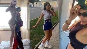 Modelka se vyřádila v Severní Koreji. Popíjela na ulici a fotila se s policejní čepicí.