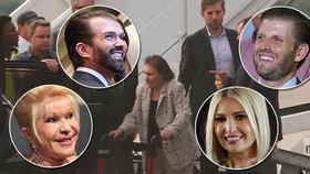 """Trumpovi vyvezli svou českou """"babi"""" Marii Zelníčkovou do New Yorku, vzali ji do italské restaurace."""