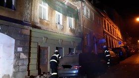 V centru České Lípy se zřítil kus zdi rekonstruovaného historického domu