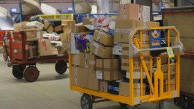 Česká pošta ročně přepraví miliony zásilek z Číny.