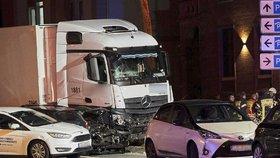 V německém Limburgu najížděl Syřan ukradeným kamionem do aut.