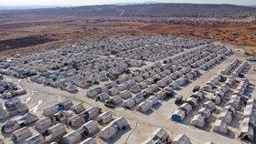 V syrských táborech jsou desítky tisíc lidí, mezi nimi i spousta bojovníků ISIS.