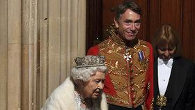 Britská královna slavnostně zahájila novou parlamentní schůzi, (14.10.2019).