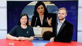Eurokomisařka Věra Jourová byla hostem pořadu Epicentrum dne 14.10.2019. Vpravo moderátor Jakub Veinlich.