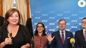 """""""Odstupte,"""" vyzvala ODS ministryni Schillerovou. Její zeť měl  bránit celním kontrolám."""