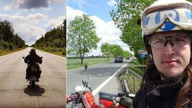 """Při nehodě zemřela motorkářská celebrita: Martin projel na """"Pionýru"""" 25 zemí."""