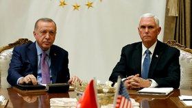 Turecký prezident Recep Tayyip Erdogan a americký viceprezident Mike Pence