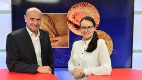 Přednosta Urologické kliniky Thomayerovy nemocnice v Praze Roman Zachoval byl Hostem pořadu Epicentrum vysílaného dne 21. 10. 2019. Vpravo moderátorka Andrea Ulagová.