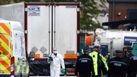 Policie našla na jihovýchodě Anglie v kamionu 39 mrtvých. (23. 10. 2019)