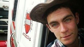 Řidičem nákladního vozu, ve kterém objevili mrtvá těla, byl 25letý Mo Robinson ze Severního Irska