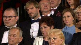 Poprvé od svatby na velké akci na veřejnosti: Novomanželé Adam a Olga Vojtěchovi na předávání státních vyznamenání