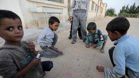 Syrské děti vyhnané ze svých původních domovů roky děsivé války