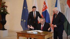Prezident Miloš Zeman se účastní v Německu oslav 30 let od pádu Berlínské zdi. Přivítal ho jeho německý protějšek Frank-Walter Steinmeier