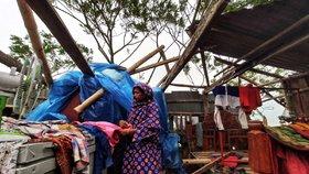 Cyklon Bulbul pustošil Indii a Bangladéš.