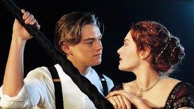 Leonardo DiCaprio a Kate Winslet - Titanic