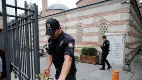 Spoluzakladatel Bílých přileb James Le Mesurier byl nalezen mrtvý v Istanbulu.
