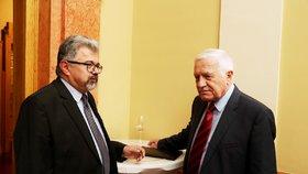 Václav Klaus se svým někdejším kancléřem Jiřím Weiglem