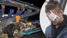 Andreas (17) měl štěstí v neštěstí. Havárii autobusu smrti přežil. Utrpěl však tržnou ránu nad okem.