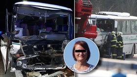 Při tragické nehodě autobusu u Mělníka zahynula učitelka Martina, žáci se s ní loučí
