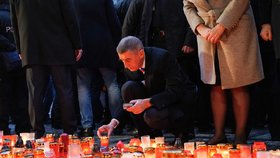 Andrej Babiš (ANO) na Národní třídu přišel 17. listopadu 2019 časně ráno, cca. v 7:20