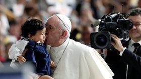 Papež František navštívil Japonsko, dočkal se vřelého přijetí (listopad 2019).