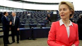 Připomínkou dvouhodinové generální stávky v někdejším Československu v roce 1989, od které dnes uplynula přesně tři desetiletí, začala nastupující šéfka Evropské komise Ursula von der Leyenová svůj projev na plénu europarlamentu ve Štrasburku.