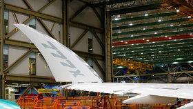 Boeingy 777X ve výrobní hale