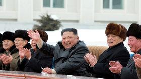 Kim Čong-un slavnostně otevřel letovisko.