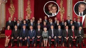 Prezident Miloš Zeman (v první řadě vpravo) nasadil na fotce s královnou Alžbětou II. šibalský úsměv (3. 12. 2019).