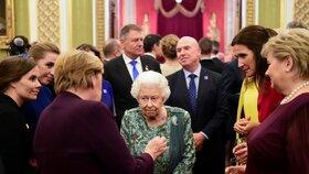 Setkání s královnou během summitu NATO V Londýně