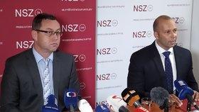 Nejvyšší státní zástupce Pavel Zeman (vlevo) obnovil stíhání premiéra Andreje Babiše v kauze Čapí hnízdo. Na snímku mluvčí Nejvyššího státního zastupitelství Petr Malý.