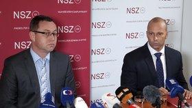 Nejvyšší státní zástupce Pavel Zeman (vlevo) obnovil stíhání premiéra Andreje Babiše v kauze Čapí hnízdo.