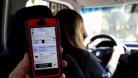Alternativní přepravní firma Uber řeší problémy.