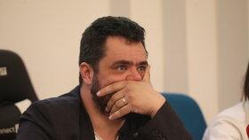 Pavel Novotný (ODS) hájil na zastupitelstvu v Řeporyjích pomník, který by uctil padlé vlasovce za pražského povstání (10. 12. 2019).