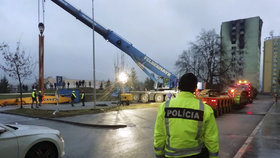 Česká firma bude v Prešově bourat zničený panelový dům.