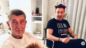 Adventní večírek: Andrej Babiš nechal převlek ve skříni