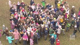 Takhle velká je skupina dětí z babyboxů