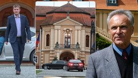 Ministerstvo zahraničí pod vedením Tomáše Petříčka (vlevo) udělalo změnu: Zámek Štiřín už nepovede ředitel Hrubý (vpravo).