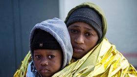 Migranti se i na přelomu roku 2019 a 2020 snažili dál dostat přes Středozemní moře. Do Itálie či Španělska.