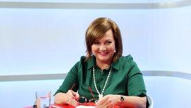 Ministryně financí Alena Schillerová ve studiu Blesku. (7. 1. 2020)