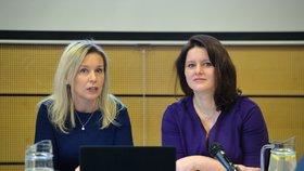 Ministryně práce a sociálních věcí Jana Maláčová (ČSSD) a předsedkyně Danuše Nerudová na jednání Komise pro spravedlivé důchody