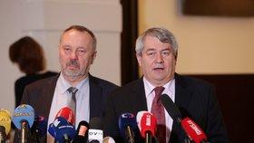 Komunista Vojtěch Filip slaví 65. narozeniny a 37 let působení v politice.
