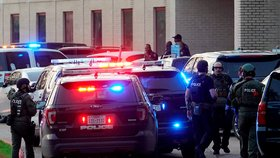 Útočník v Texasu zastřelil studenta. (14. 1. 2020)