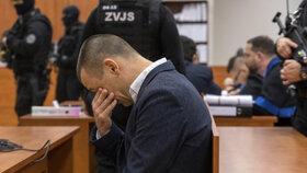 Peter Tóth u soudu s údajnými vrahy Jána Kuciaka a jeho snoubenky 15. ledna 2020