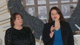 Záštitu nad výstavou převzala první dáma Ivana Zemanová.